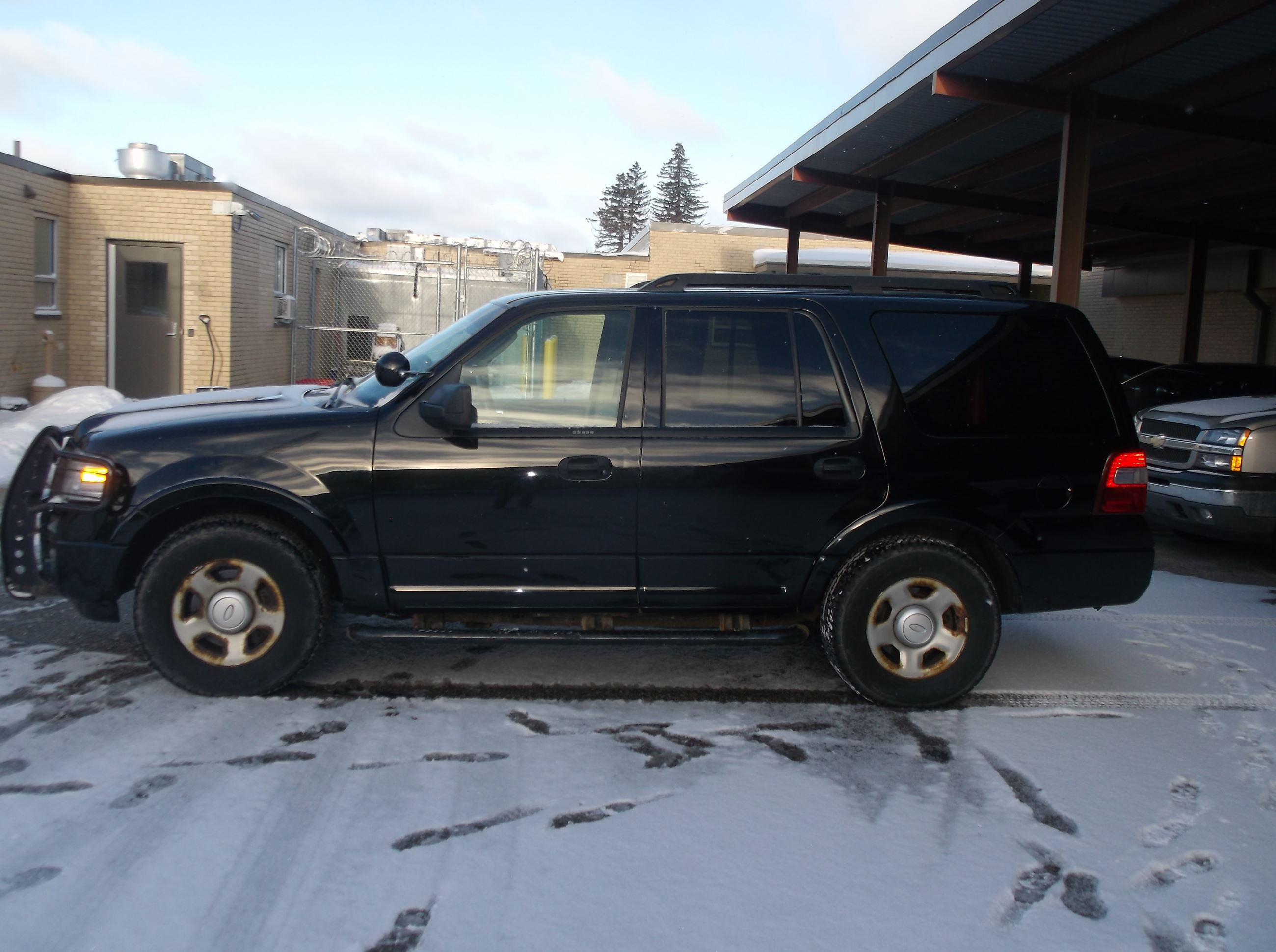 Car 3 Ford Expedition 1